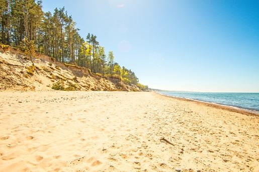 najlepsze Ciche miejscowości nad morzem - bez tłumów plaże gdzie nad Bałtykiem Orzechowo