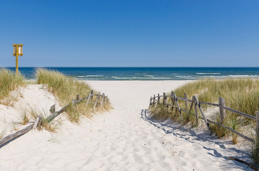 Białogóra małe miejscowości nad morzem spokojne plaże gdzie Bałtyk
