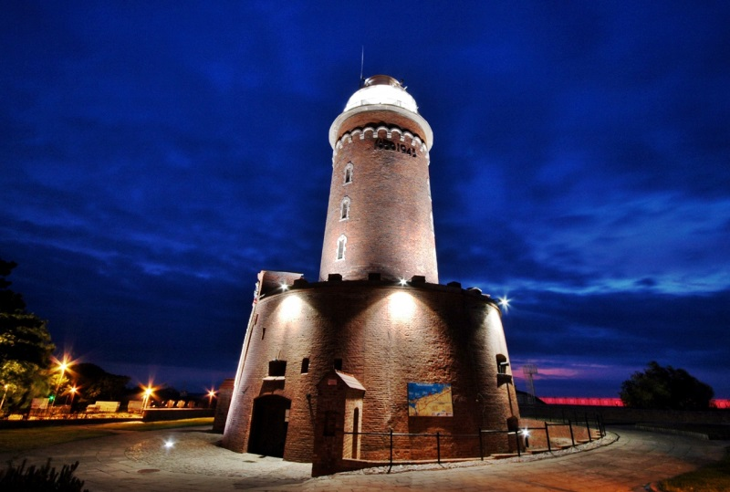 latarnie morskie najładniejsze nad morzem Bałtyk Kołobrzeg